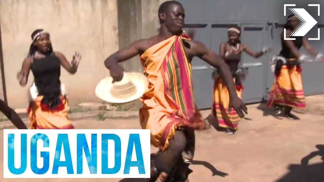 Españoles en el mundo: Uganda (1/3)   RTVE
