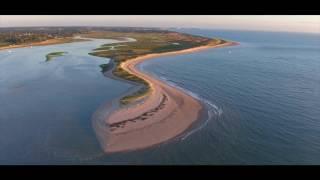 Camping & Havre de la Vanlée  entouré par la mer