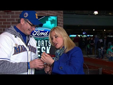 HOU@SEA: Mariners reporter tastes a local delicacy
