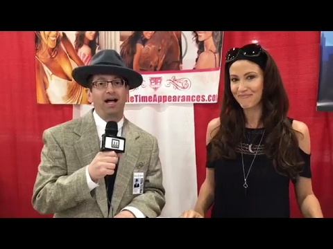 Shannon Elizabeth  at Motor City Comic Con