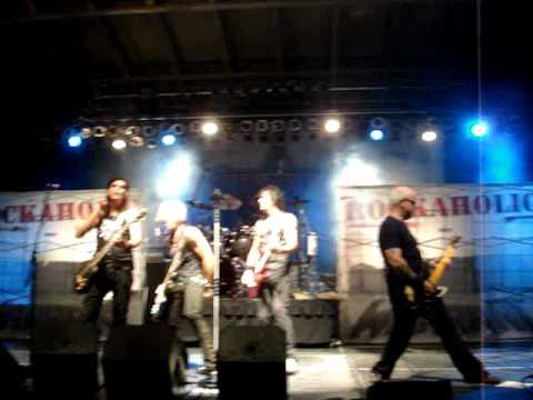 First tribute of Heaven to Jani Lane by Warrant in Grand Forks, ND.
