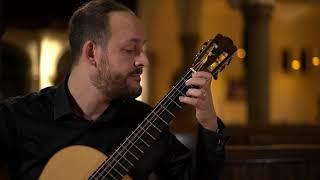 Bach: Toccata and Fugue, BWV 565 - Tariq Harb, guitar