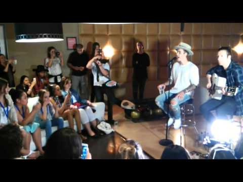 Justin Bieber - Performance Make A Wish (Lucky Strike - Los Angeles, California)