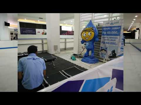 Ice Skating in Lombok City Center, the biggest shopping mall in Lombok