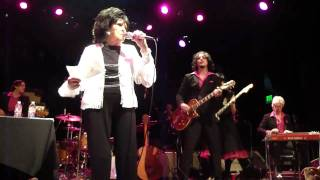 Wanda Jackson-Dust on the Bible w/Jack White and the Third Man House Band