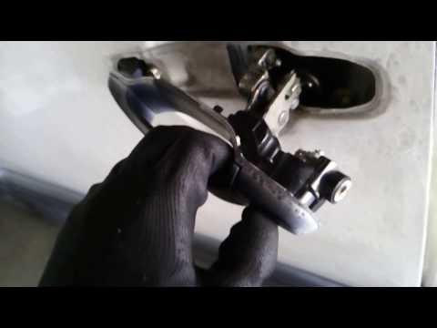 Toyota Previa 1993 Door Handle Replacement (PART 1)