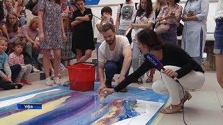 Мастер-класс по абстрактной живописи дал в Уфе питерский художник Саша Рощин