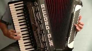 Robert Kiljańczyk - prezentacja akordeonu Accordiola