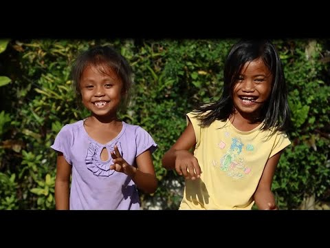 "Philippines - la version des enfants de ""Happy"" on YouTube"