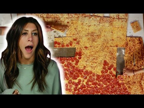 Thumbnail: We Tried The $1,000 Pizza Challenge