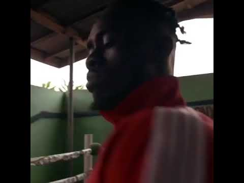 Mr Eazi - Tied up trailer