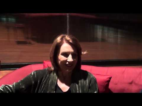 Cast di Honour, intervista a Paola Pitagora