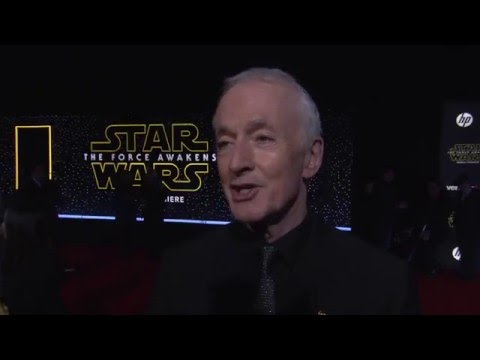 """Star Wars - The Force Awakens: Anthony Daniels """"C-3PO"""" Red Carpet Interview"""