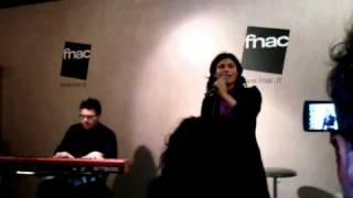Giusy Ferreri (live FNAC di Napoli)