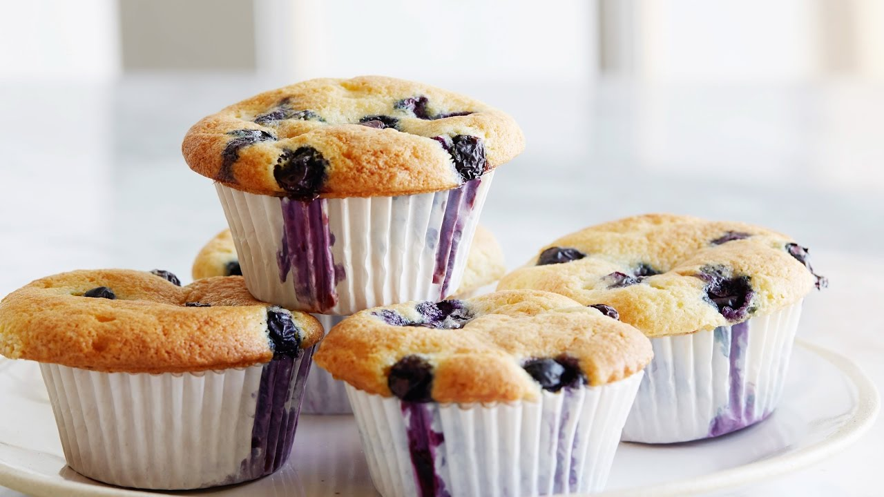 Inas blueberry coffee cake muffins food network youtube inas blueberry coffee cake muffins food network forumfinder Image collections