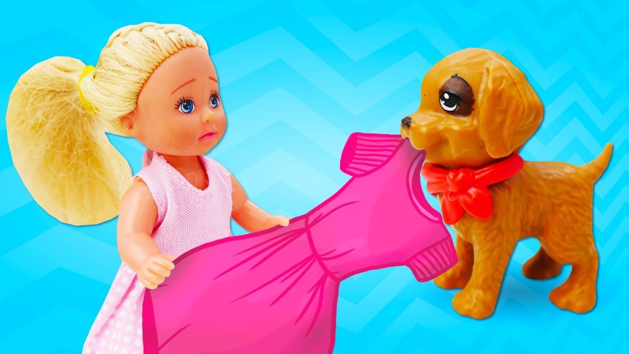 Evi lleva a casa un cachorro para Barbie. Juegos con Barbie y otras muñecas. Vídeos para niñas