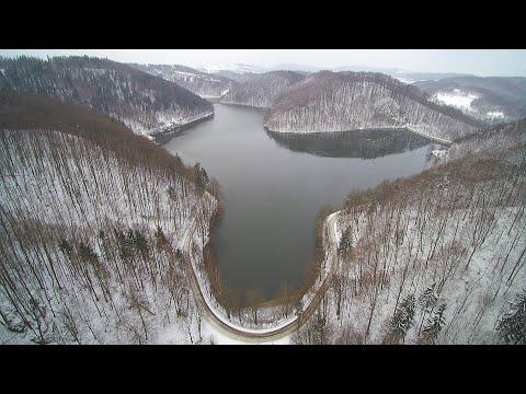 Jezioro Bystrzyckie zimową porą 4K