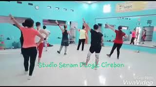 Gambar cover Aerobic Low Impact ||Pemula//130419||Studio Senam D'Logic🎶