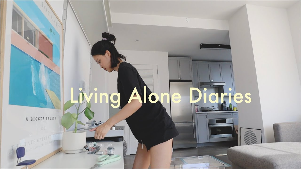 Living Alone Diaries | Chit chat talk about genuine friendships, relationships, getting a roommate!