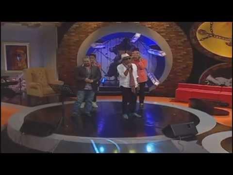Hattan feat Awie - Memburu Rindu (live)
