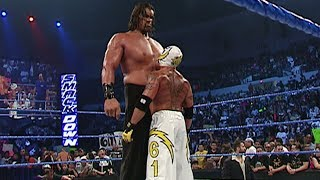 Смотреть Rey Mysterio vs. The Great Khali: SmackDown, May 12, 2006 онлайн