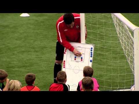 FIFA 12 Coaching Manual | Attacking Overloads