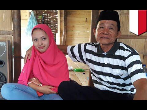 Kakek Menikah Dengan Wanita Muda Di Sulawesi Selatan - TomoNews