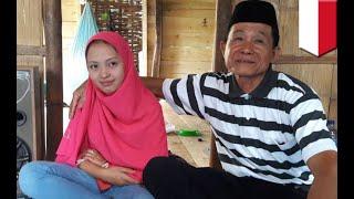 Video Kakek menikah dengan wanita muda di Sulawesi Selatan - TomoNews download MP3, 3GP, MP4, WEBM, AVI, FLV Agustus 2018