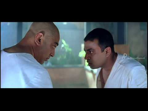 Aalavandaan - Riyaz Khan fights with Kamal