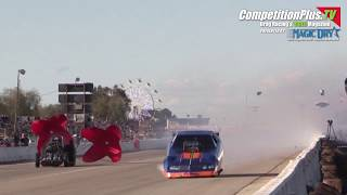 BAKERSFIELD MARCH MEET 2019 - JIM MARONEY EXPLODES HIS FUNNY CAR