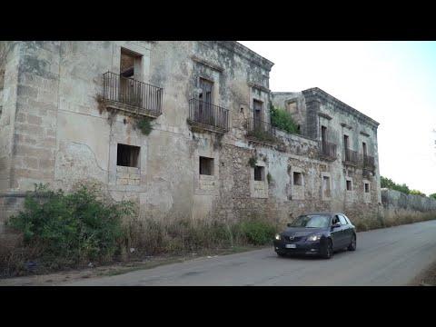 SICILIA ABBANDONATA - 3 - LA CASA PIU' INFESTATA DI SIRACUSA (LA CASA DEI TRE TOCCHI)