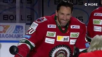Här hyllas Joel Lundqvist för sina 1000 matcher i Frölunda