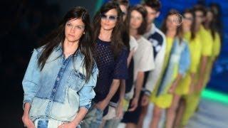 Бразильские Модельеры Показывают Моду для Молодых (Новости). Купальники Salnas