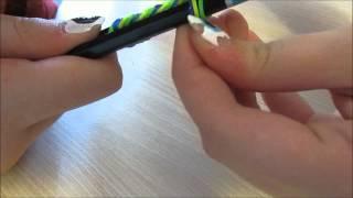 Faire un bracelet Rainbow Loom avec des stylos