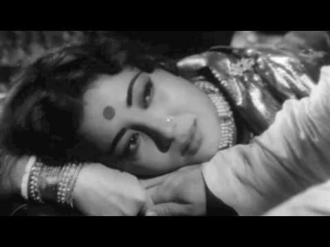 Film Sahib Bibi Aur Ghulam 1962.singer Geeta Dutt.na Jao Saiyaan