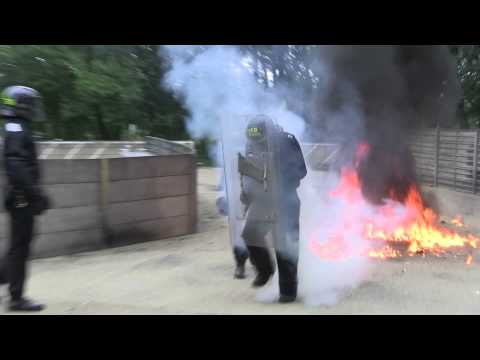 Public order demonstrate petrol bomb tactics - Sussex Police People #10dayslive Day 1