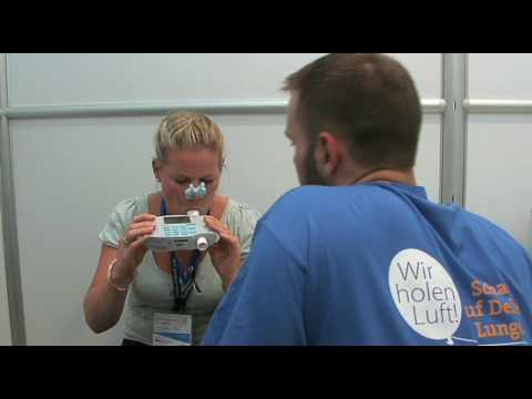 Spirometry how to take a lung function test - YouTube