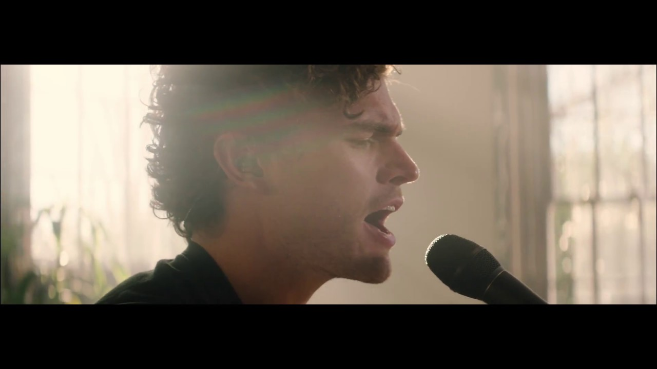 vance-joy-like-gold-live-from-the-hallowed-halls-vance-joy