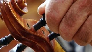 Search for the best-sounding wood | Made in Germany - Handmade
