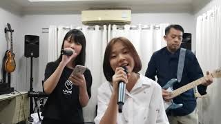 รักติดไซเรน (My Ambulance) - ไอซ์ พาริส, แพรวา ณิชาภัทร [Live Duet Version] by  Kanom &Creamy