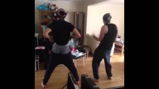 5 Seconds Of Summer - Keek - it's gettin hot in here