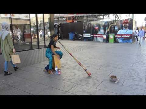 Didgeridoo Street Music Den Haag