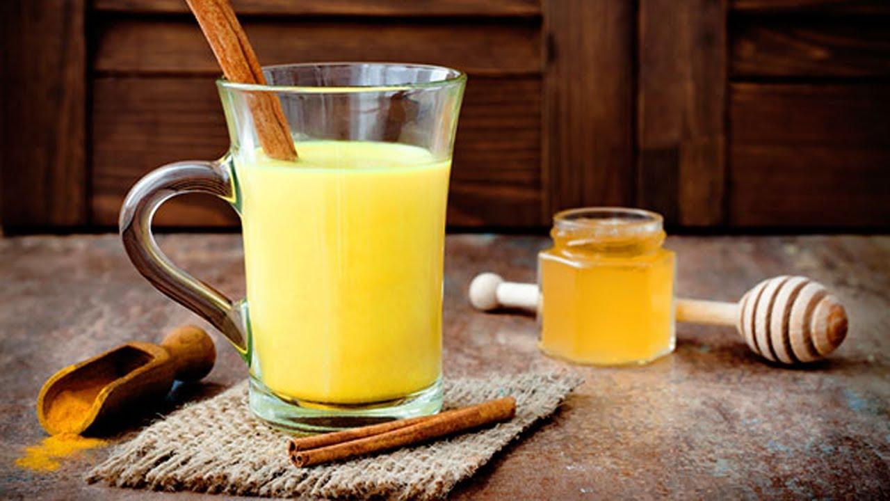 Công thức nước ép nghệ, chanh tươi, mật ong cho làn da hoàn hảo