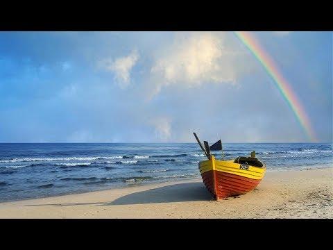 Israel Kamakawiwo'ole ~ Somewhere Over The Rainbow Lyrics