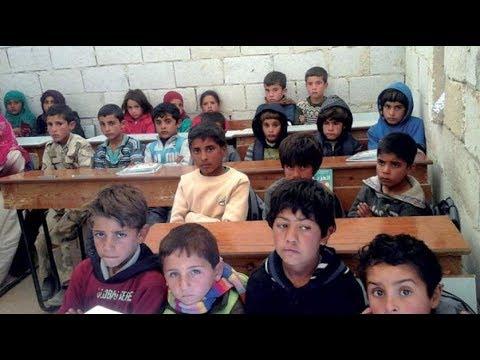 إيران تفتتح مدارس باللغة الفارسية بالرقة وزعيم ميليشيا عراقية-إيرانية يفوز بانتخابات مجلس محافظة حلب  - نشر قبل 11 ساعة