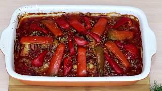 Курица тушеная с овощами и пряными травами в духовке