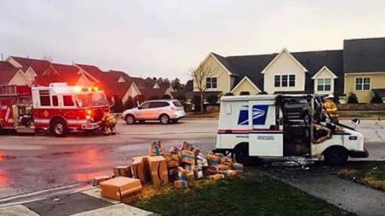 Us Postal Service S Aging Trucks Keep Catching Fire The Drive