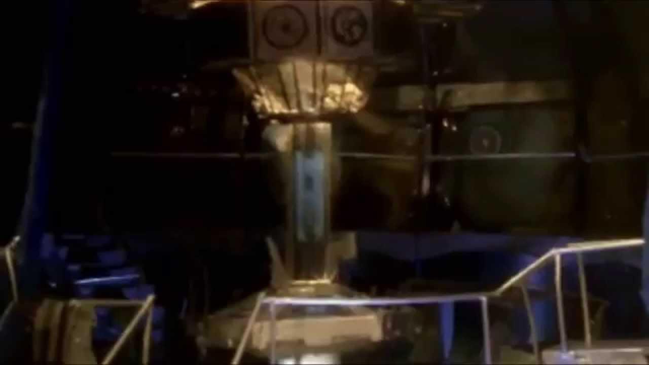 Brand New Tardis Set Reveal - Pond Era to 2013 Tardis ...