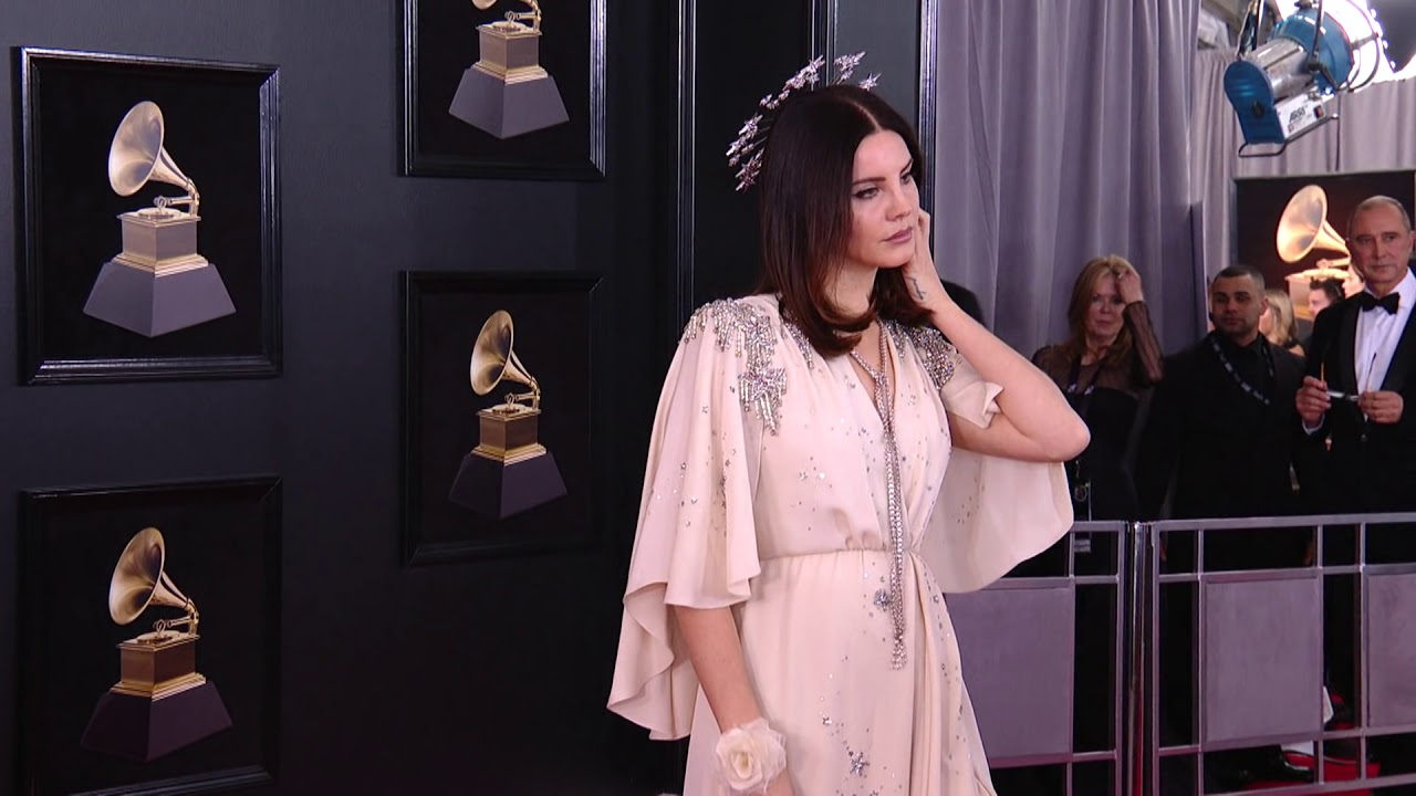 227d5efb926 Lana Del Rey on the Red Carpet | Fashion Cam | Red Carpet | 60th GRAMMYs