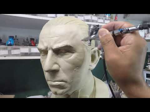 painting-a-1:1-dracula-bust-and-adding-glass-eyes